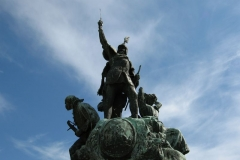 István Dobó fights off the Turks in the centre of Dobó tér
