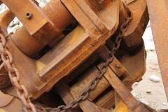 Rusting claw