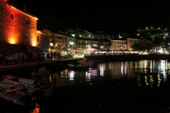 Petrovac at night 1