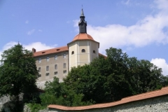 The impressive and ancient Loška Castle