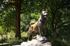 Statue of Blato the dog